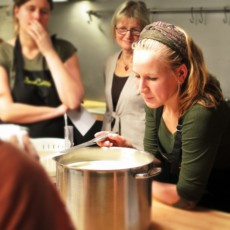 Corsi di cucina per tutti agrodolce cookinglab reggio for Corsi di cucina reggio emilia
